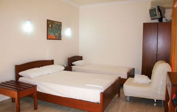 Camere Hotel Manolas – fotografii