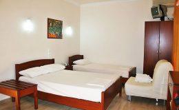 hotel-manolas-03